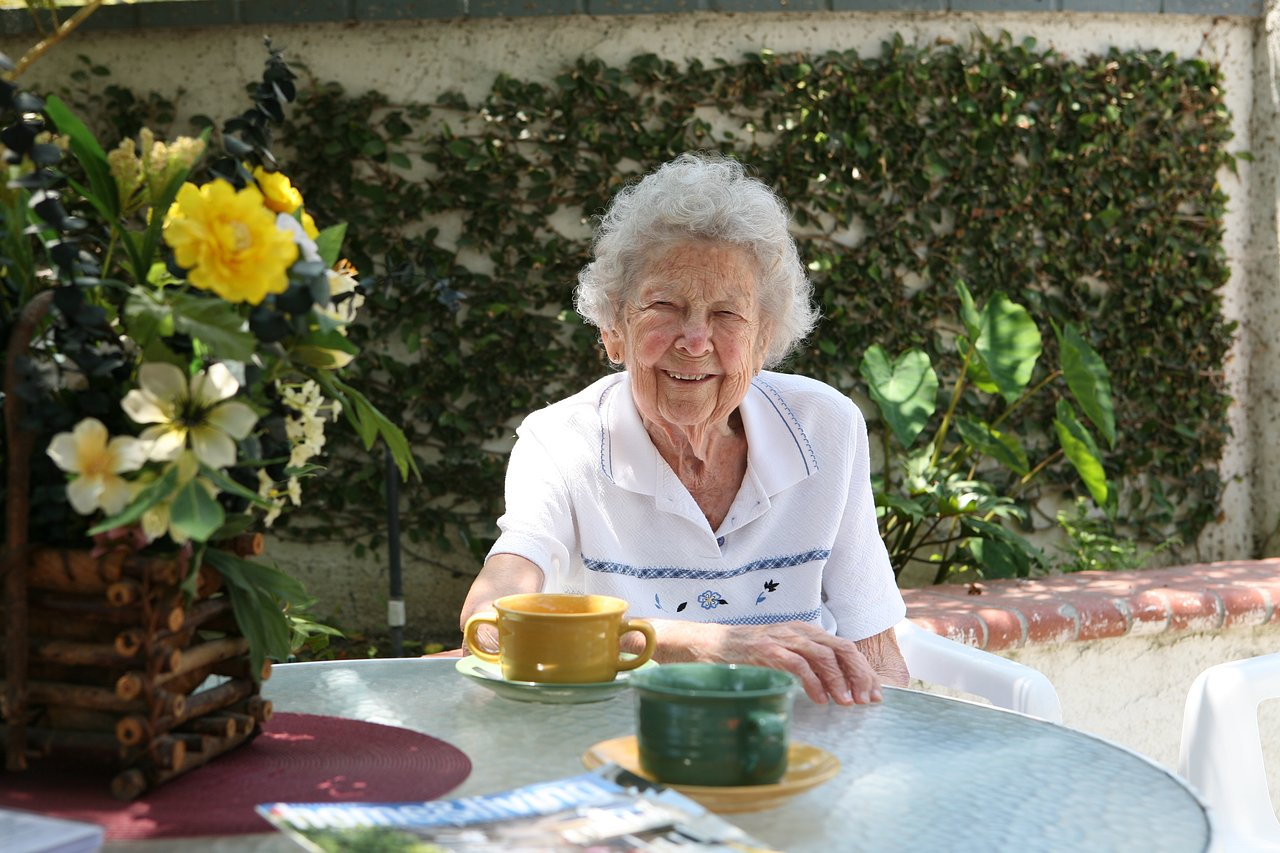Assisted Living in Laguna Hills