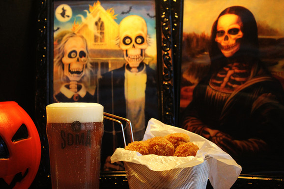 SOMA Cervejaria terá Halloween com Pumpkin Ale, decoração temática e música ao vivo