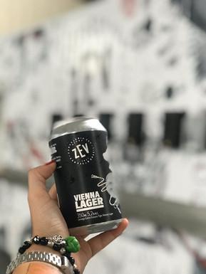 Cervejaria Zev lanças as suas primeiras cervejas em lata