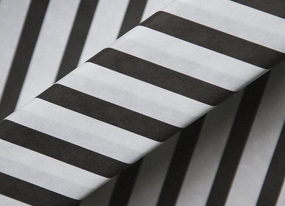 Бумага крафт белая в черную широкую полосу