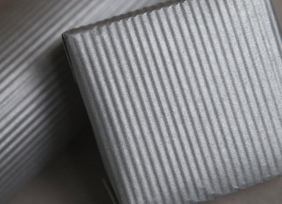 Бумага крафт гафре серебряная двусторонняя