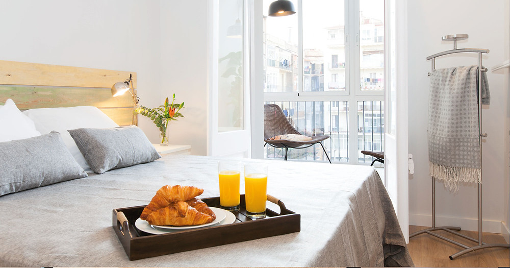 Bedroom with view of Barcelona city