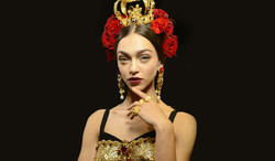 dolce-and-gabbana-spring-summer-2015-fashion-show-makeup-and-hair-crown.jpg