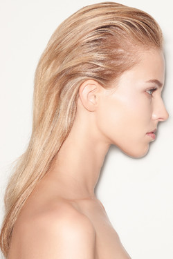 Backstage-at-the-Versace-Spring-Summer-2015-Show-Hair-by-Guido-Palau-for-Redken-