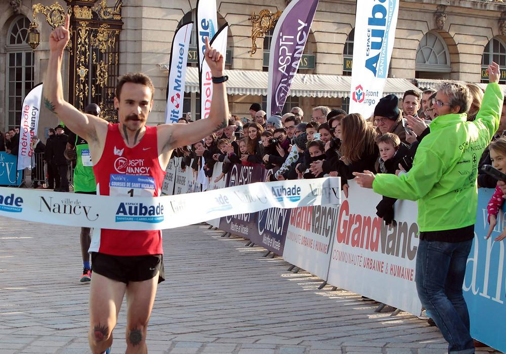Benjamin Choquert remportait les 10 km de la Saint-Nicolas en 2016 à Nancy en 29 mn 41 s.
