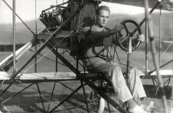 1912-John-H-Towers-in-Curtiss