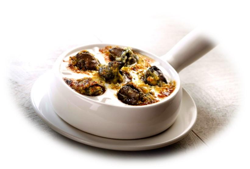 Esacrgots de Bourguogne au beurre à l'ail fait maison gratinés au four façon alsacienne