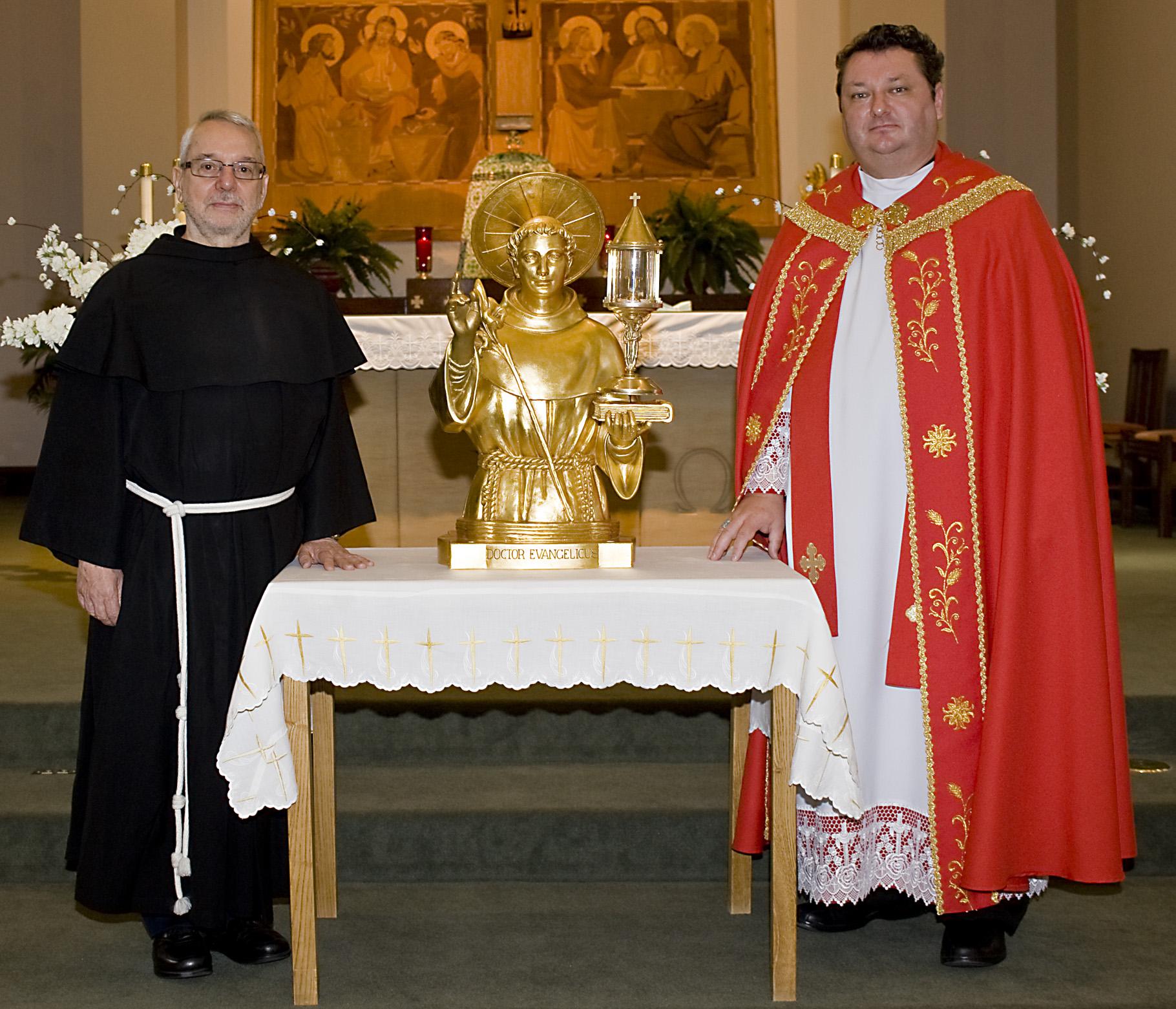 Michael Skolosh - 180616 St Anthony Relics 7 Skol