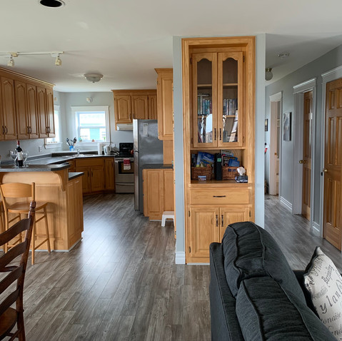 Fully equipped kitchen and laundry