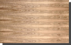 walnut-veneer-flat-cut-figured-premium