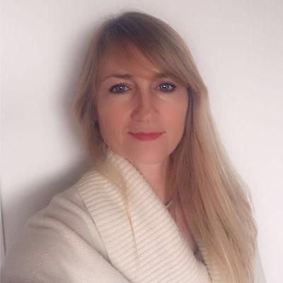Daphne Fayle.jfif
