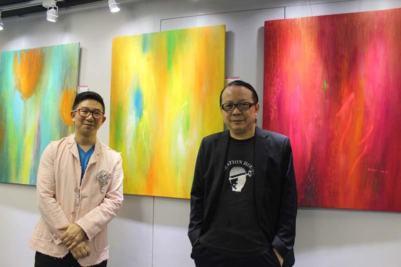香港傑出設計師協會主席余奉祖與凌國寶合照