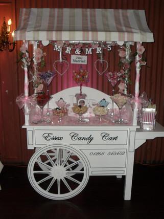 Sweet Cart ready at wedding reception