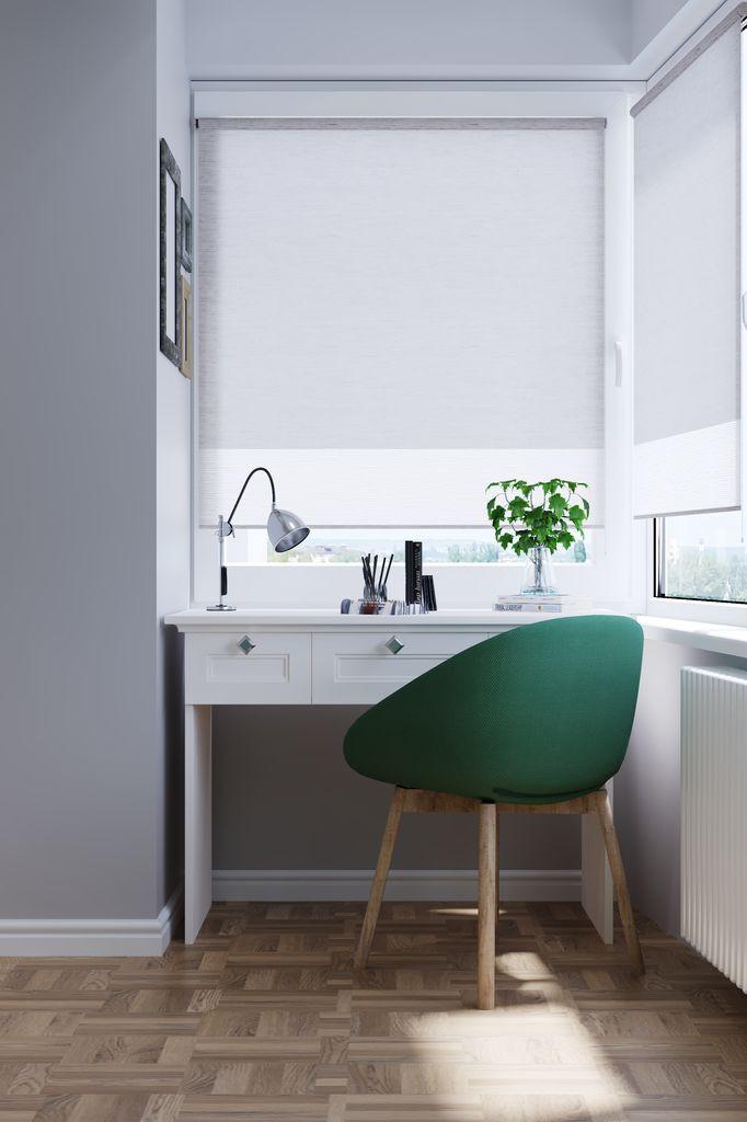 Masă de birou stil scandinav la balcon