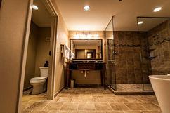 hotel_suite_bathroom_tub.jpg