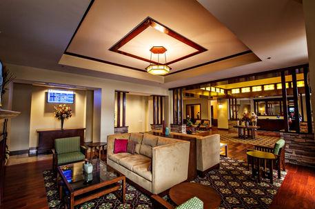 hotel_lobby_lounge_frontcorner.jpg