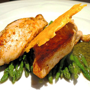 Chicken with Asparagus and Arugula Sauce