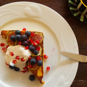 French Toast with Fig, Berries and Yoghurt Sauce