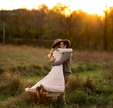 Creasey Mahan Engagement Session  © Stef Elizabeth Photo | Wedding Photographer Serving Louisville, Lexington, and Cincinnati  © Stef Elizabeth Photo | Wedding Photographer Serving Louisville, Lexington, and Cincinnati