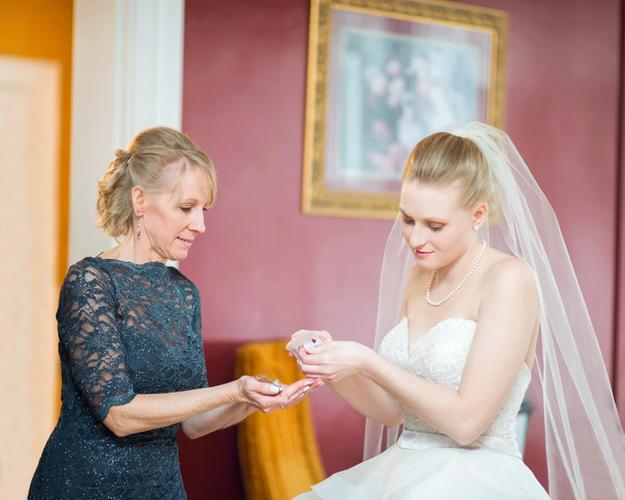 © Stef Elizabeth Photo - Wedding Photographer Serving Louisville, Lexington and Worldwide