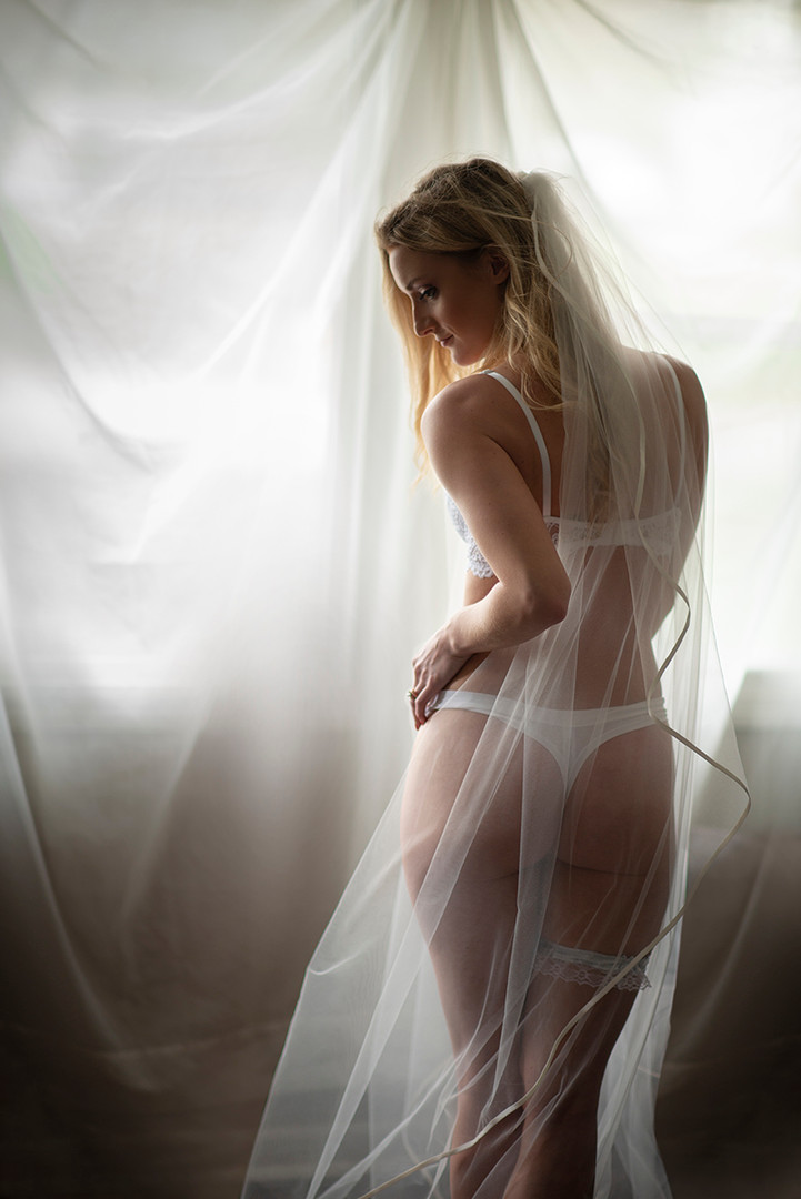© Stef Elizabeth Photo   Boudoir and Wedding Boudoir Photographer Serving Louisville, Lexington and Cincinnati