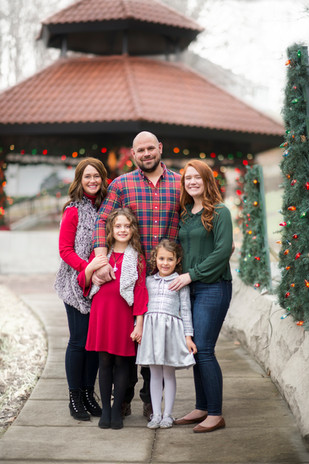 Christmas Mini Sessions Louisville  © Stef Elizabeth Photo | Wedding and Family Photographer Serving Louisville, Lexington and Cincinnati