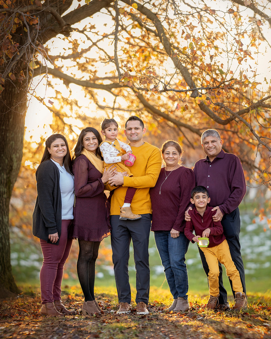 Extended Family Portrait Louisville 2020   © Stef Elizabeth Photo | Family and Wedding Photographer Serving Louisville, Lexington and Cincinnati