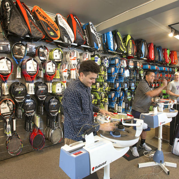 BROWSE TENNIS RACQUETS