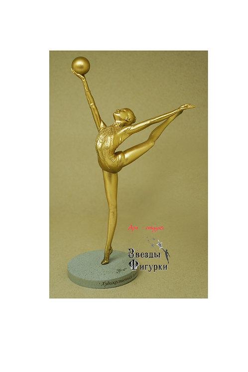 """Статуэтка """"Гимнастка с мячом"""", цвет золота, 22 см"""