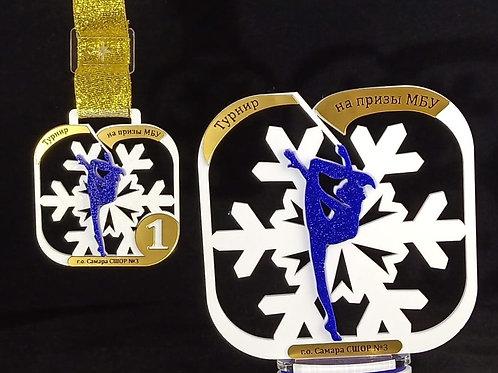 """Медаль """"Снежинка"""" в квадрате, 71х78 мм, с гравировкой"""