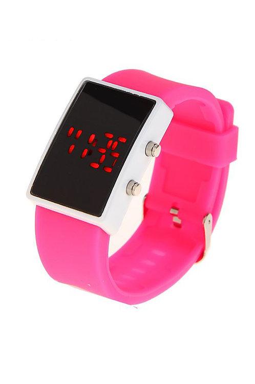 Часы наручные на силиконовом ремешке, циферблат прямоугольный, цвет розов