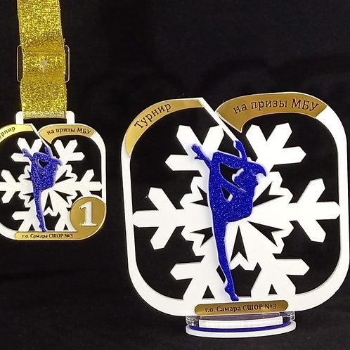 "Награда ""Снежинка"" белая в квадрате"
