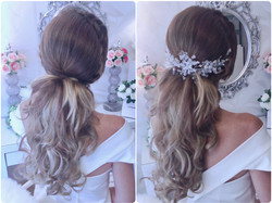with or withour hair accessory