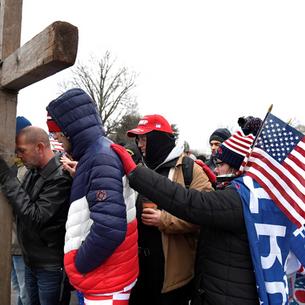 A epifania da extrema-direita cristã nos EUA