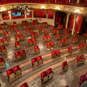 Por uma reflexão acerca do estatuto de espectador no Teatro: presente e passado I