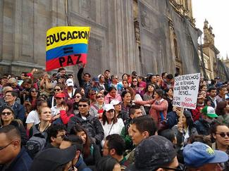 Colômbia: insatisfação social, violência e gestão neoliberal de Iván Duque