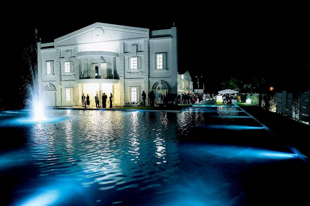 Villa Renoir notturna