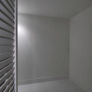23-Walk-in-Closet.jpeg