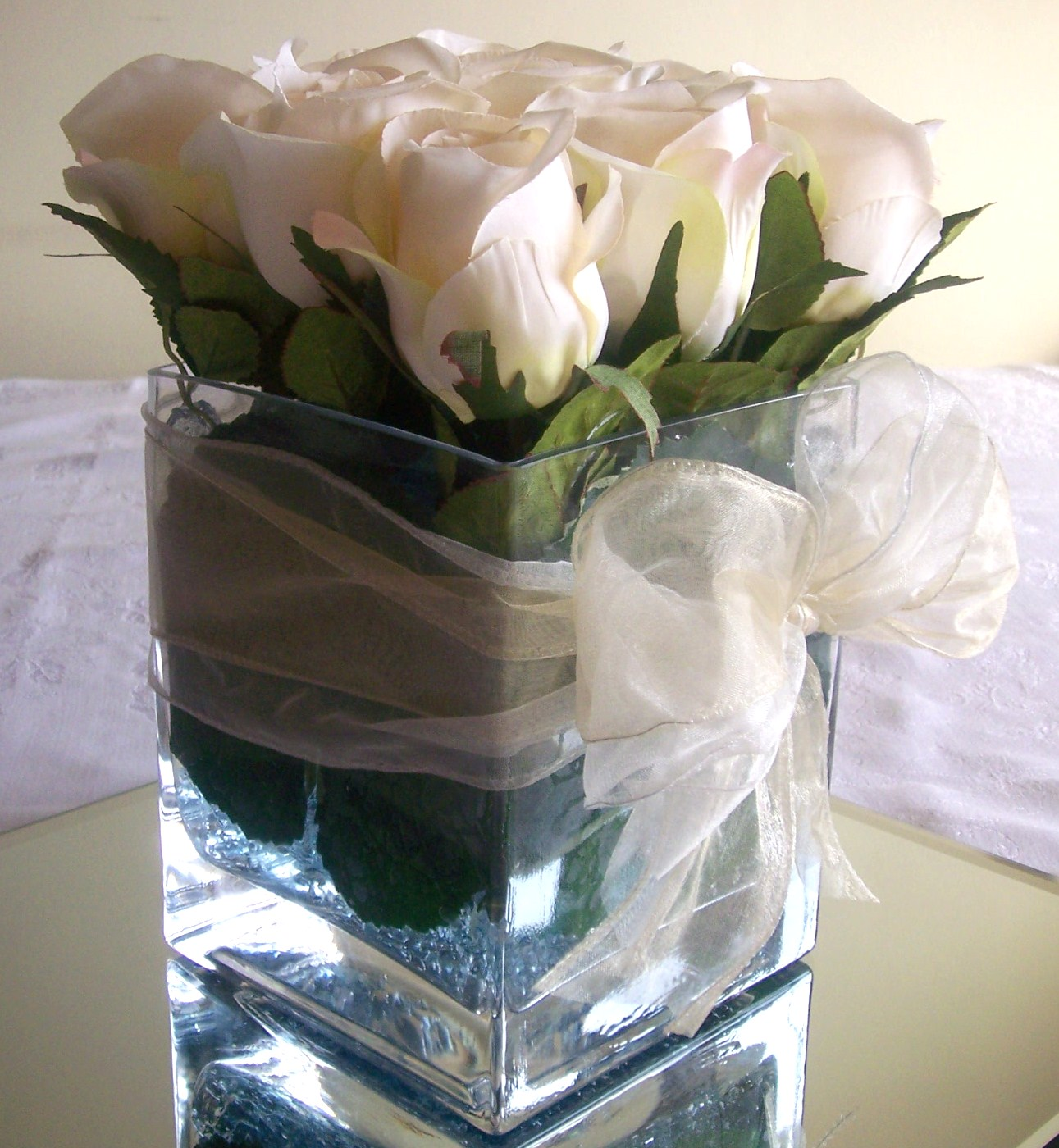 Cube Vase with roses