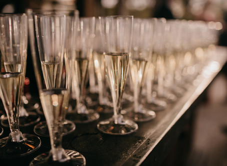 Design :: Golden Glamour to Inspire Your New Years Eve Gathering