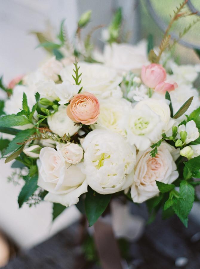 Soft Floral for a Stylish Summer Soirée