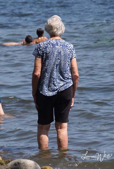 Summer2020_LakeSaratoga_SeniorLady©20La