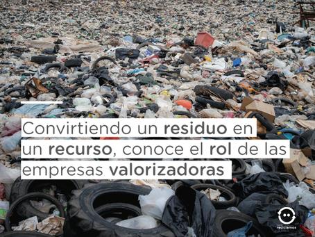 ¿En qué se transforman los envases plásticos con el reciclaje? 4 pasos que lo explican todo
