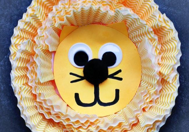 Cupcake Liner Lion