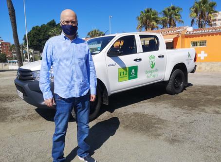 Playas presenta un nuevo vehículo que agilizará actuaciones en Vélez-Málaga