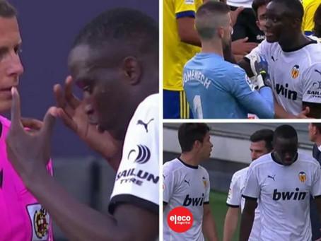 El Valencia abandona el partido en Cádiz por presuntos insultos racistas