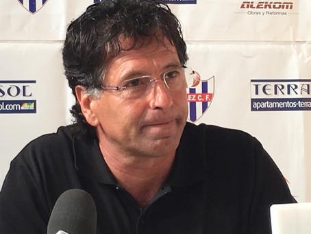 El Vélez prepara un proyecto a largo plazo con Lucas Cazorla al frente
