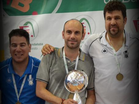 Javi Florido deja el banquillo del Club Baloncesto Vélez