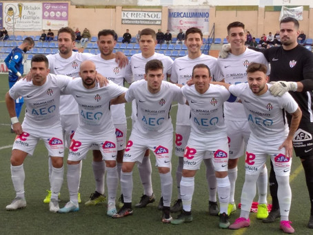El Vélez planta cara al Linares pero vuelve a perder (1-2)