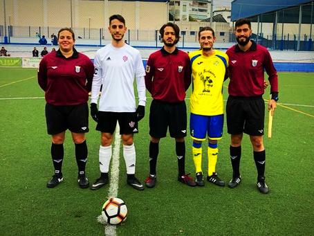 El Marbellí remonta a un Vélez 'B' que viajó con doce jugadores (5-2)